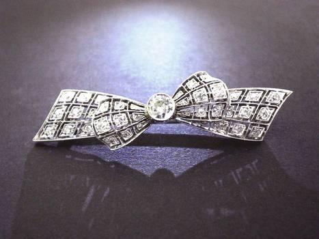 Art Deco pierced platinum DIAMOND Bow Brooch