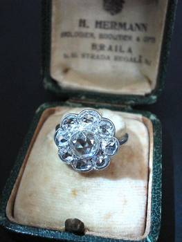 1910 Edwardian PLATINUM & Diamond flower ring