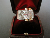 Art Deco Retro style 18K Gold Diamond Ring
