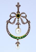 Belle Époque Saltwater Pearl Emerald Pendant